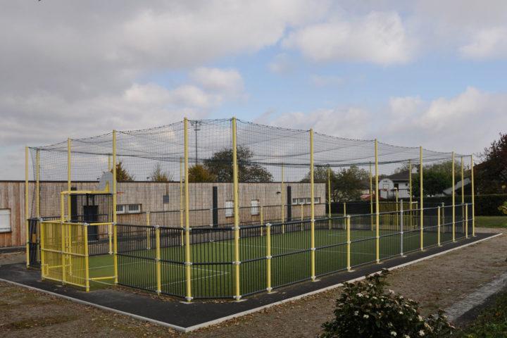 Le citypark permet la pratique du football, du handball et du basketball.