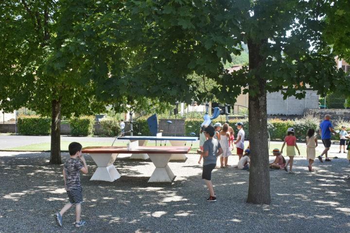 jeux dans la cour de récréction de l'école Jacques-Prévert de Romagnat