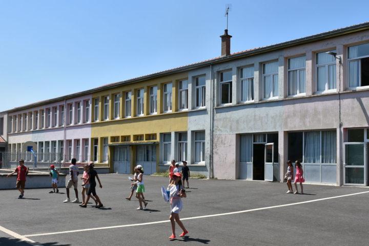 La cour de récréation de l'école Jacques-Prévert de Romagnat