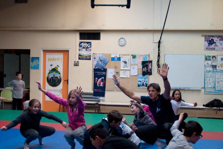 Activité sportive dans le dojo du FLEP